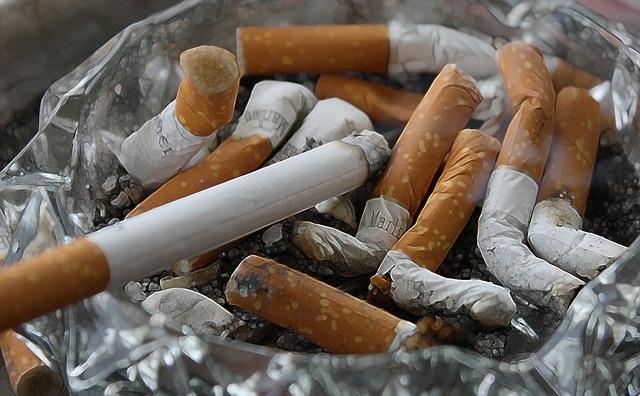 сигареты окурок пепельница