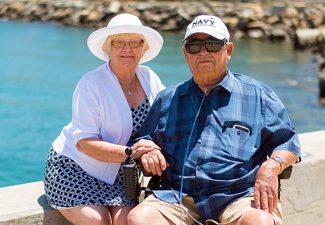 пенсионеры пожилые