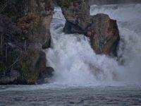 Рейнский водопад. Шаффхаузен.  Автор Liselotte Brunner  / pixabay.com