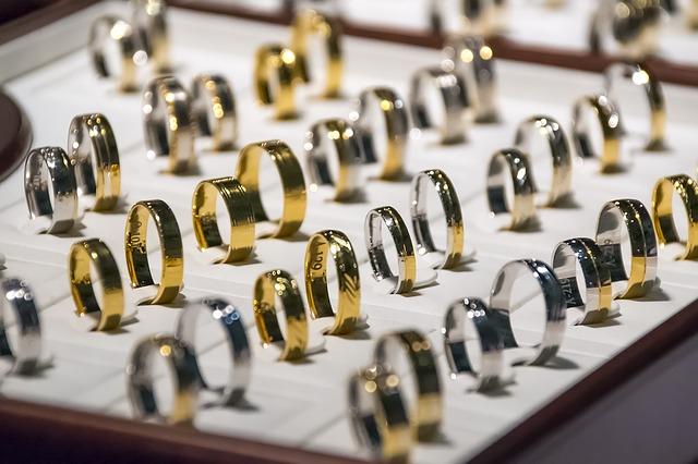 кольца ювелирные украшения